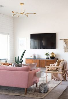 How to incorporate your television in your living room?