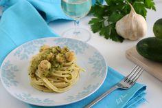 Linguine zucchine e gamberetti Linguine, Spaghetti, Ethnic Recipes, Food, Essen, Yemek, Spaghetti Noodles, Meals