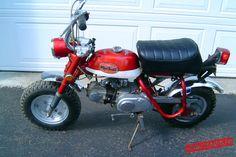 Voici le Honda Monkey Z50A 50 K2 de David, Monkey jamais restauré, resté dans son jus. Il date de 1971.