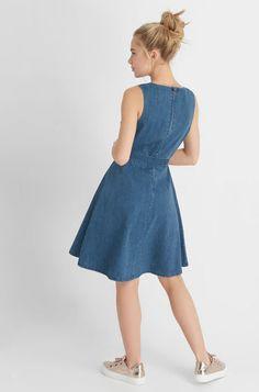 Kopertowa sukienka z jeansu - Niebieski