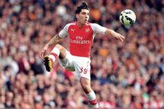 Hậu vệ cánh phải Hector Bellerin chia tay Barcavà chuyển sang kí hợp đồng với các Pháo thủ Arsenal.
