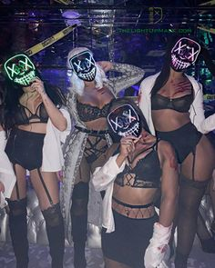 Light Up Mask - The Purge, Stitches - 8 COLOR Options - Flashing Modes - make up - creepy halloween costumes Creative College Halloween Costumes, Best Friend Halloween Costumes, Trendy Halloween, Halloween Outfits, Playboy Bunny Costume Halloween, Aladdin Halloween, Girl Group Halloween Costumes, Maquillage Halloween, Halloween Disfraces