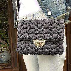 Crochet Clutch Bags, Crochet Handbags, Crochet Purses, Crochet Bags, Crochet Shawl, Crochet Stitches, Knit Crochet, Yarn Projects, Crochet Projects