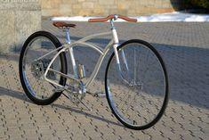 Warren - Custom Huffy Bicycle Custom Beach Cruiser, Beach Cruiser Bikes, Cruiser Bicycle, Motorized Bicycle, Beach Cruisers, Cool Bicycles, Cool Bikes, Lowrider Bike, Vintage Bikes