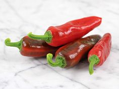 This is the famous frying pepper of Naples, Italy. This heirloom produces small, long, cone-shaped peppers