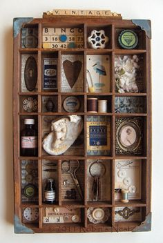 #papercraft #printerstray  Small things . . . love this vintage display . . .