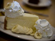 Yum... I'd Pinch That! | Out of This World Banana Cream Cheesecake
