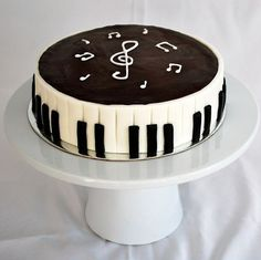 Piano themed cake for music teacher. Chocolate with fresh cream & chocolate ganache. Music Birthday Cakes, Music Themed Cakes, Birthday Cakes For Teens, Birthday Wishes, Bolo Musical, Music Cupcakes, Piano Cakes, Teen Cakes, Fathers Day Cake