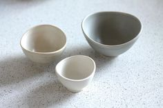 Mini Nesting Bowls Beige white gray set of 3 by FringeandFettle
