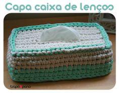 """Capa """"mimosa verde"""", feita em crochet com trapilho."""