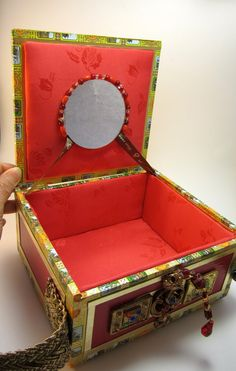 Cigar Box Purse Red and Gold R