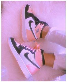 Cute Nike Shoes, Cute Nikes, Cute Sneakers, Nike Air Shoes, Shoes Sneakers, Pink Tumblr Aesthetic, Baby Pink Aesthetic, Aesthetic Shoes, Aesthetic Girl