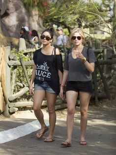 Vanessa Hudgens and Ashley Benson-04-560x747.jpg (560×747)