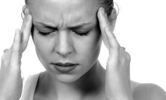 Migraine is a kind of headache which is mostly occurred in women rather than men. Read these natural DIY home remedies for migraine headache treatment. Migraine Home Remedies, Home Remedy For Headache, Natural Remedies For Migraines, Migraine Relief, Natural Cures, Migraine Pain, Pain Relief, Migraine Triggers, Migraine