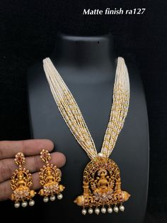 Temple Jewellery available at Ankh jewellery for booking msg on Buy Gold Jewellery Online, Gold Jewellery Design, Bead Jewellery, Temple Jewellery, Gold Jewelry, Beaded Jewelry, Tiffany Jewelry, Diamond Jewellery, Antique Pearl Necklace
