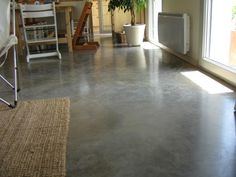 Sol en Beton ciré, waxed concrete floors. So beautiful!!!