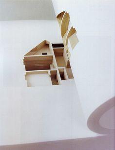 Le livre « Your House » est une commande de la bibliothèque du Musée d'Art Moderne de New York à l'artiste Olafur Eliasson.  Designé par Claudia Baulesch et Michael Heimann, ce livre de 908 pages représente la maison de l'artiste Olafur Eliasson à Copenhague à l'échelle 1:85 ème. Les 454 feuilles sont découpées au laser, une feuille correspond à 2,2 cm de la véritable maison. En feuilletant le livre, on a l'impression de s'immerger entièrement dans la maison et de déambuler dans chaque pièce