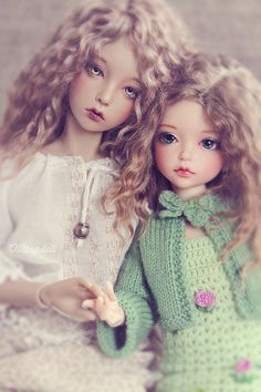 bjd's What Do You THink? Sisters? OR Mother And Daughter?    :D