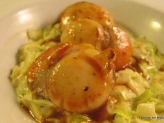Coquilles St Jacques et leur fondue de poireaux - Recette de cuisine Marmiton : une recette