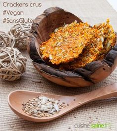 Raw vegetable crackers, use the pulp of the extractor - nutri - Raw Food Recipes Raw Food Recipes, Veggie Recipes, Healthy Recipes, Juice Recipes, Snacks To Make, Easy Snacks, Vegan Plate, Bread Substitute, Favourite Pizza