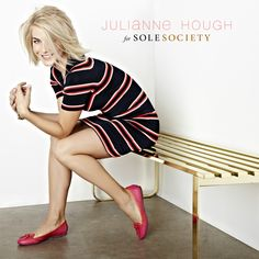 Julianne Hough for Sole Society! Her new shoe collection, can't wait to check it out! And her hair is cute :) Photoshoot Inspiration, Hair Inspiration, Julianne Hough Hot, Blonde Women, Cute Hairstyles, Her Hair, Fashion Beauty, Short Hair Styles, Hair Makeup