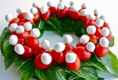 http://veggiewala.com/wp-content/uploads/2010/12/wreath_0002.jpg