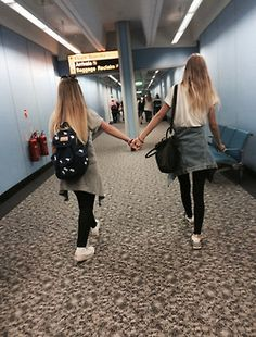 A MUST picture if you and your friend are flying traveling together