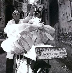 La Ditta Fortunato. #ilovenapoli Old Photos, Vintage Photos, White Art, Black And White, Napoli Italy, Brassai, Life Is Hard, My Heritage, Vintage Italian
