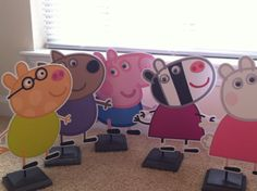 Peppa Pig and Friend Centerpiece. Pig Birthday, 3rd Birthday Parties, Friend Birthday, Birthday Party Invitations, Birthday Ideas, Pig Party, Baby Party, Cumple Peppa Pig, Party Themes