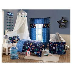 Complete your Big Believers Out of this World bedding set with the playful astronaught pop up hamper perfect for your child's storage needs. Made with polyester the round hamper easily folds flat when not in use due to its mesh material.