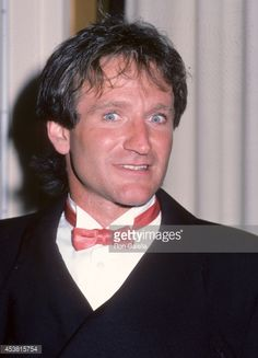 453815754-actor-robin-williams-attends-the-stars-gettyimages.jpg (428×594)