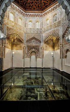 Sala de oración del Palacio de la Madraza, Perteneciente a la Universidad de Granada.  por Tammy