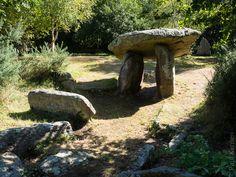 #Finistere #Bretagne #Plobannalec #Lesconil #dolmen #menhir  (5 photos) © Paul Kerrien  http://toilapol.net
