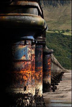 Rust | さび | Rouille | ржавчина | Ruggine | Herrumbre | Chip | Decay | Metal | Corrosion | Tarnish | Texture | Colors | Contrast | Patina | Decay | rusting bridge rails...