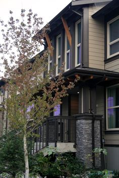 Executive Central Lonsdale Affordable North Vancouver Townhome for Sale at the Avondale on St. Andrews award winning development on the North Shore real estate market.