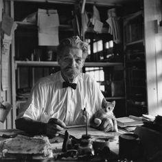 Docteur Albert Schweitzer – Médecin, philosophe et théologien alsacien, né le 14 Janvier 1875 à Kaysersberg, Haut-Rhin (France), et mort le 4 Septembre 1965 à Lambaréné, Gabon (Afrique) - Prix Nobel de la Paix en 1952 - Photographié en 1951 à Lambaréné, au Gabon, par George Rodger