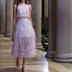 "Dede Jubran on Instagram: ""Some #pink #romance from #CarolinaHerrera #ss16 #mbfw #fashion#fashionblogger#fashionable#fashionista#nyfw#ny#nyc#newyorkfashionweek#mercedesbenzfashionweek#picoftheday#style#stylish#styleblogger#styleoftheday#styleinspiration#styleaddict#stylegram#instafashion#runway#runwaylook#look#lookoftheday#houseofherrera"""