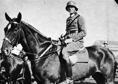 * Claus Philipp Schenk, Graf von Stauffenberg * 1926, na Cavalaria alemã.