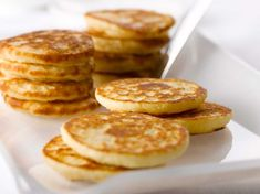 Blinis Crepes, Happy Hour Food, Hoe Cakes, Food And Thought, European Cuisine, Crepe Recipes, Bread And Pastries, Home Baking, Donut Recipes