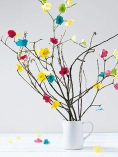 burda style Ostern Deko - Osterstrauss mit Papierblumen. Foto: Andreas Hoernisch, Heft 04/2011