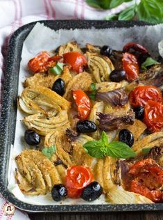 Craving for Italian food? Italian Food LIfe has an interesting facts to share about Italian cuisine and customs, that you may not have known before. Vegetable Recipes, Vegetarian Recipes, Healthy Recipes, Healthy Cooking, Cooking Recipes, Side Dishes Easy, Creative Food, Clean Eating Snacks, Food Inspiration