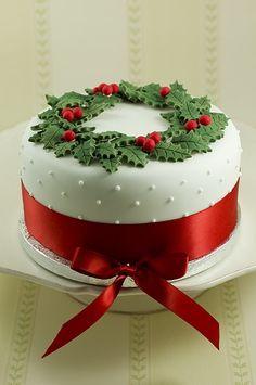 15 Awesome Christmas Cake Designs Cake Design And Decorating Ideas Christmas Cake Designs, Christmas Cake Decorations, Christmas Sweets, Holiday Cakes, Christmas Cooking, Noel Christmas, Christmas Goodies, Holiday Treats, Xmas Cakes