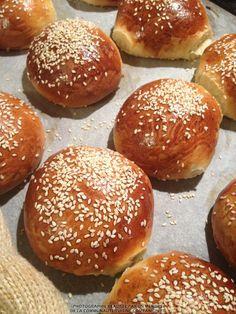 Pains à burger Thermomix adapté au Companion (Vir Ginie) Burger Bread, Burger Buns, Prep & Cook, Mini Burgers, Salty Foods, Savoury Baking, Creative Food, Baking Recipes, Good Food
