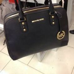 Only $39.9 to Get Cheap Michael kors tote outlet for gift. repin it and get it immediatly!