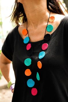another colorful crochet necklace by fulanas