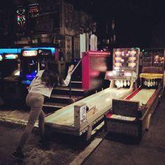 On instagram by umaidumer  #arcade #microhobbit (o)  http://ift.tt/1YOrvrQ   #eugeneoregon #bowlingnight