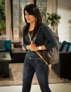 zoya Beautiful Bollywood Actress, Beautiful Actresses, Qubool Hai, Friend Photos, Celebs, Celebrities, Cute Faces, Best Actress, School Fashion