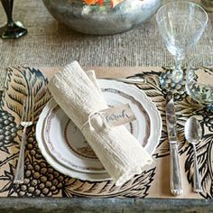 Keep Everything Simple for Your Table this Fall