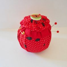 Watermelon Yo Yo Pincushion. Handmade. by Happy2BCrafty on Etsy