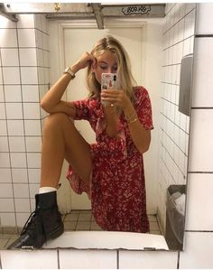 Rocking the hipster chic look ღ Awesome fashion clothes for stylish women from Zefinka. White Fashion, Look Fashion, Fashion Outfits, Fashion Trends, Dress Fashion, Party Fashion, Fashion Clothes, Fashion Weeks, Trendy Fashion